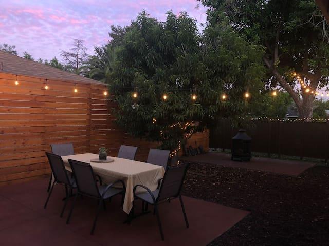 Entire Home-Pasadena-Southern California-Backyard