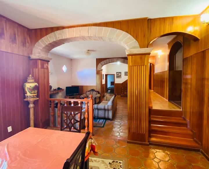 Casa espaciosa de Descanso cercana al Centro.