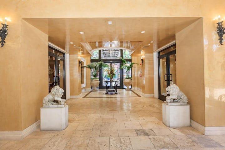 DTLA Luxury 1 bd/1 ba Resort Apartment