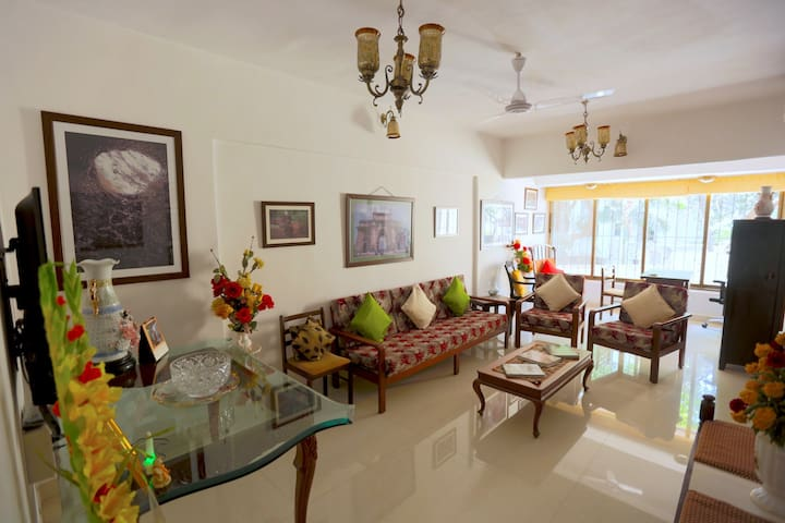 Tranquil Apartment in Beautiful Bandra