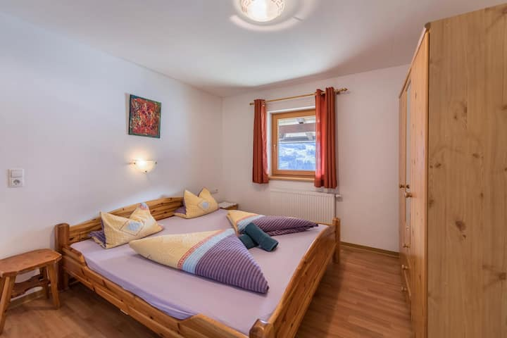 Holiday home Innerspielleiten for until 20 persons with Mountain View, Wi-Fi, Garden & Terrace; Parking Available.