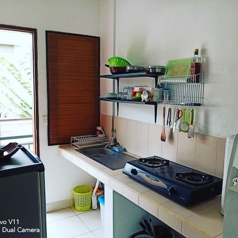 Cozy Rey's studio apartment