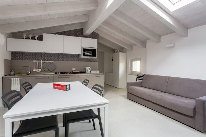 Top Level & Central Apartment with Private Parking - Bardolino - Appartement