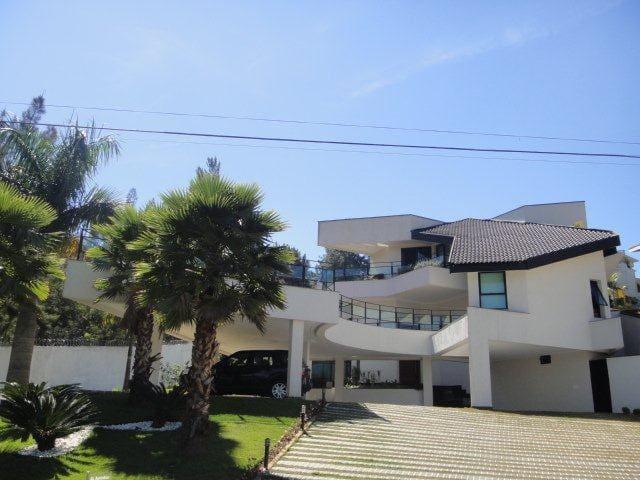 Casa fantástica em Alphaville luxo conforto beleza - Santana de Parnaíba