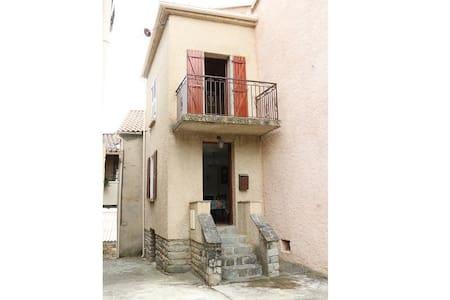 Petite maison de village corse - Favalello