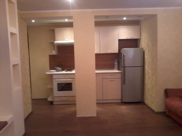 Квартира-студио на ЮЖД - Kharkiv - Appartement