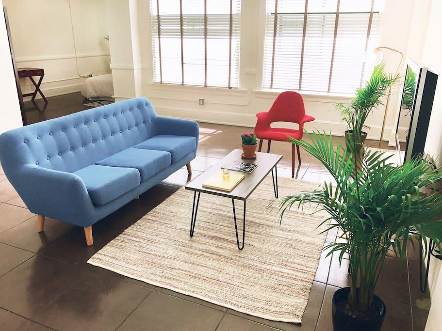 Huge minimalist home in los angeles apartments for rent for Minimalist house los angeles