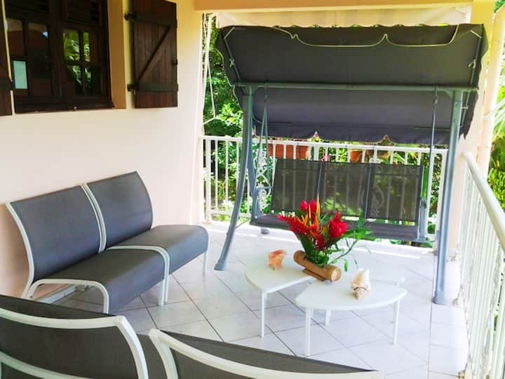Apartment with 2 bedrooms in Le Lamentin, with wonderful mountain view, enclosed garden and WiFi - 12 km from the beach