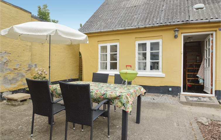 Semi-Detached with 2 bedrooms on 62 m² in Haderslev
