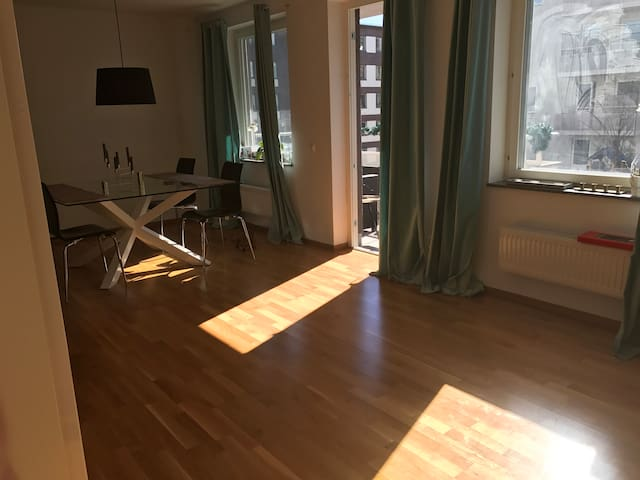 15min from City with mall & nature - Stockholm - Bed & Breakfast