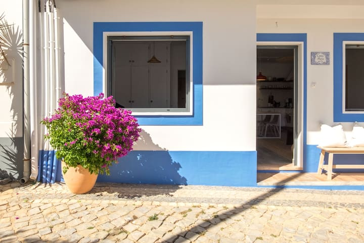 Welcome to Casa Mela. A sunny apartment in Burgau