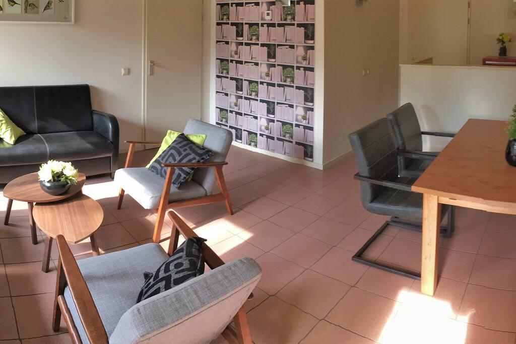 Lichte en ruime woonkamer