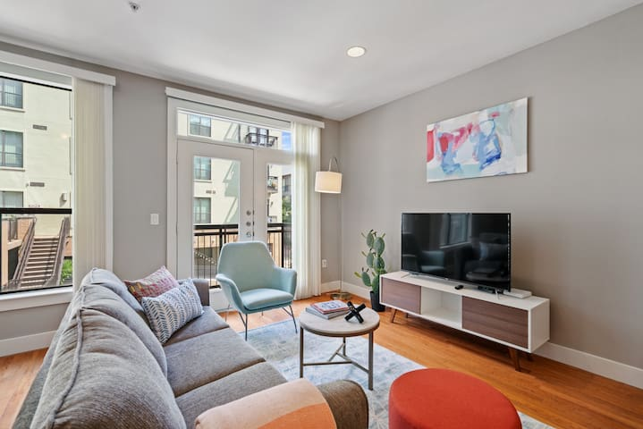 Comfy, Modern 2Bd/2Ba Luxury Apartment in Plano