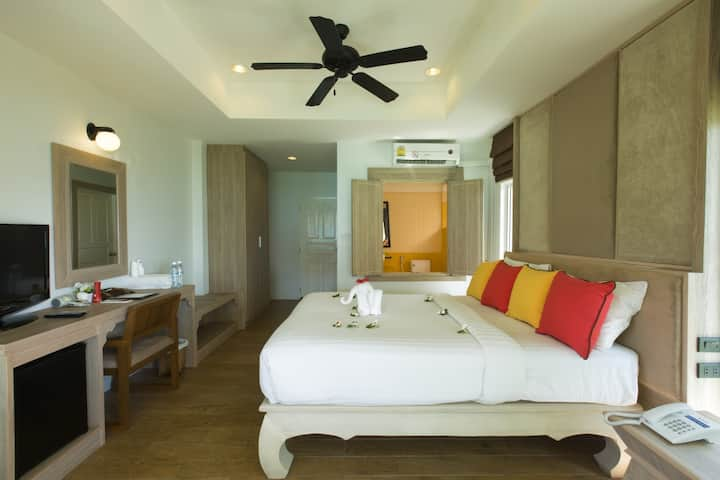 Paradise Villa on Tonsai Bay!