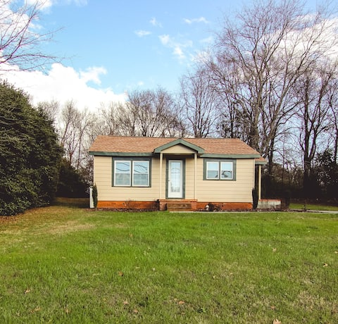 Conveniently Located Home In Greenville