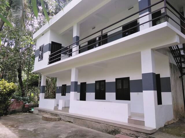 6 Bed room Service apartment near the forest - Varadoor - Rumah Tamu