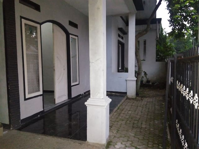 Cheap homestay in bandung - Bojongloa Kidul - Casa