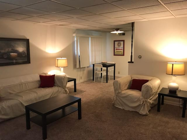 Furnished 1 br 1 ba