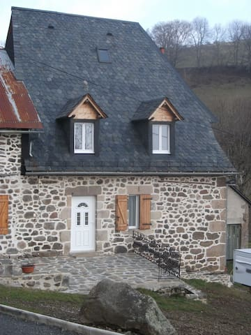 House - 22 km from the slopes - Saint-Clément - House