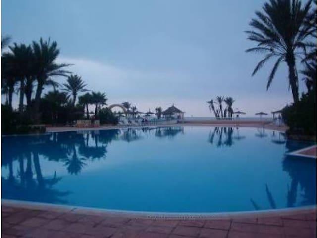 piscine, plage et farniente - Mohammedia - Apartment