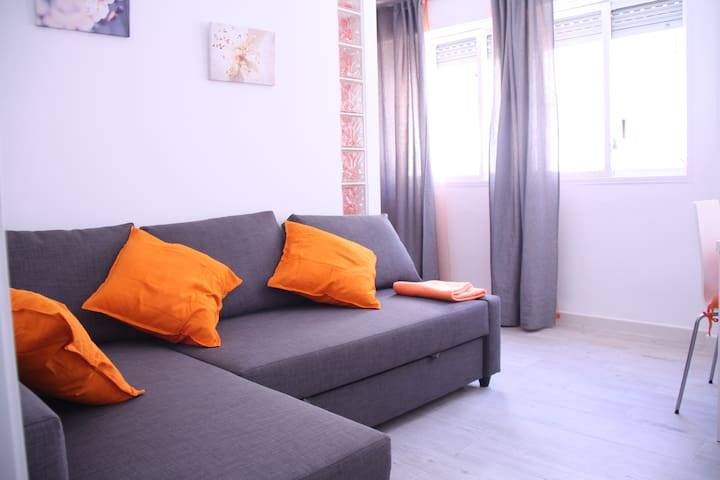 Triana centro apartamento orange vft se 00894 - Orange en sevilla ...