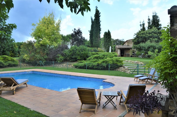 Magnificent mas with pool and views in Costa Brava