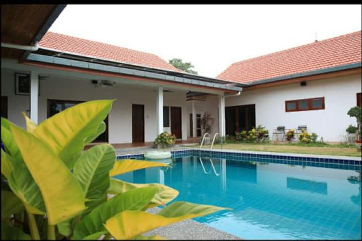 Room 4 in Pool Villa