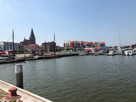 Gemütliche Wohnung am Hafen in Barth.