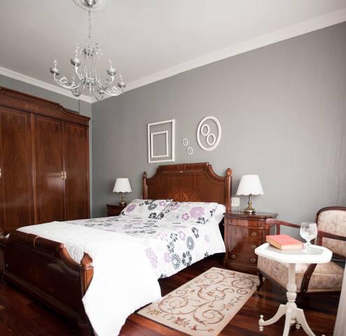 Habitación  Privada con baño en-suite en Narón