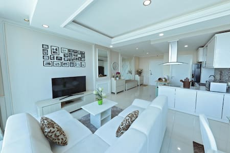 Bright & Homey @Ciputra World Surabaya (125sqm)