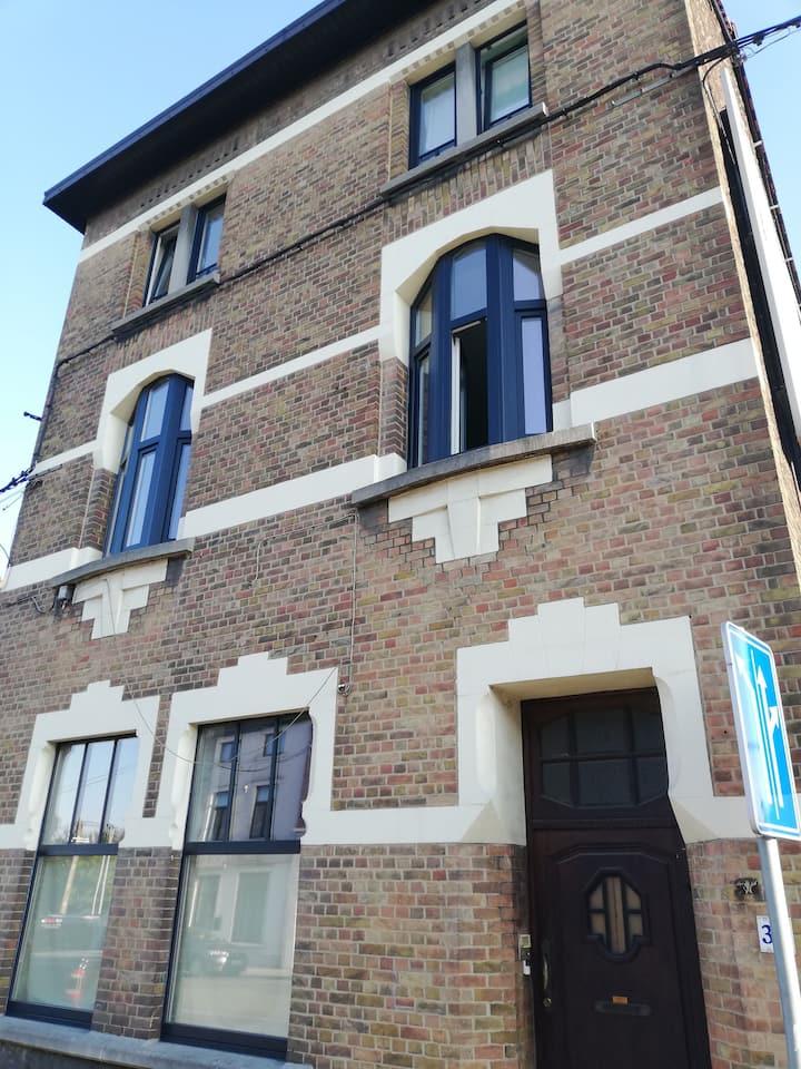 Big house near airport Charleroi Sud