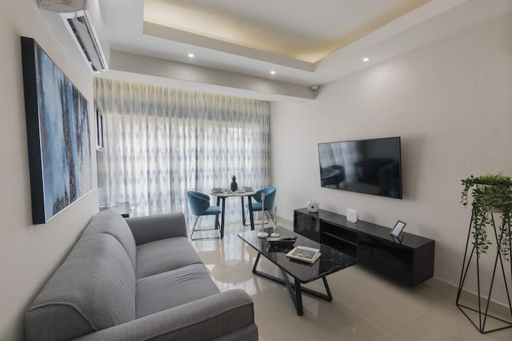 ☆ In The City! Luxury Apartment With Pool And Gym