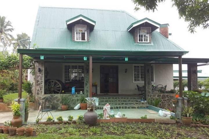 TAGAYTAY FOR RENT VACATION HOUSE (Casa Alicia) - Alfonso - Talo