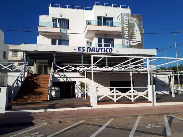 Aparthotel ES NAUTICO Suites