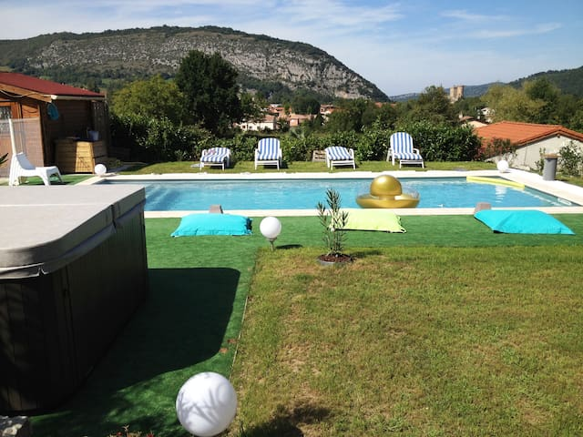 house + pool & SPA + view Pyrenees & Castle - Foix - Huis