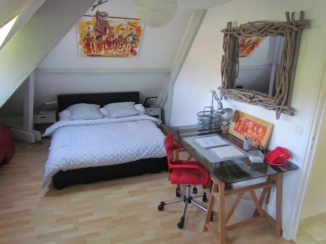Chambre 30m²dans propriété au calme - Toussaint - Hus