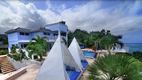 Ocean side villa 5 br with chef and maid