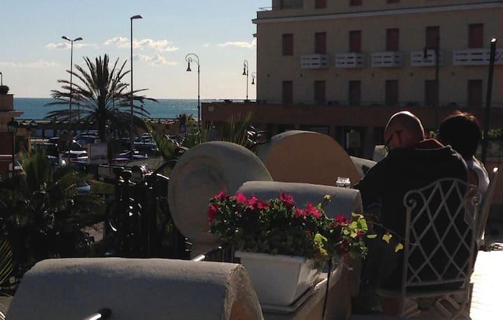 Ostia Lido sea view Charmin & Relax 1923 Building