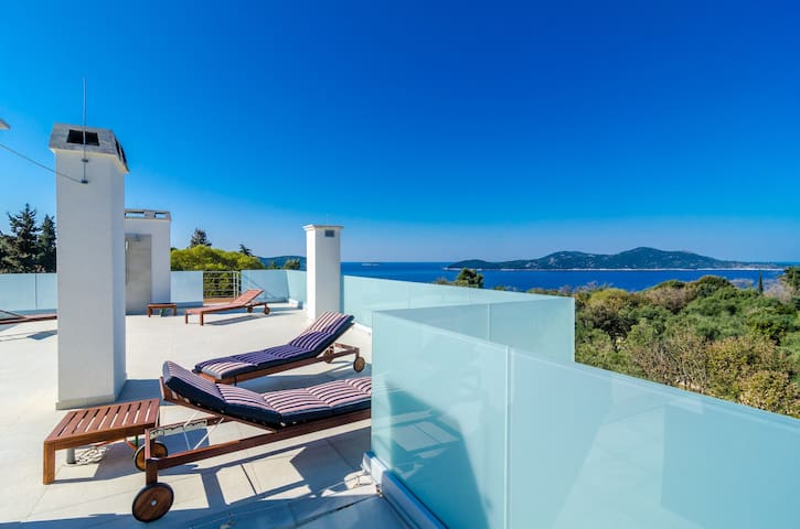 Superior 2Bedroom Apartment with Balcony&Sea View - Orašac - อพาร์ทเมนท์