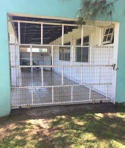 Casa aluguel para temporada - Capão novo - 一軒家