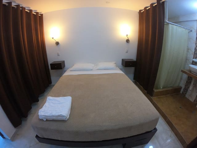 Private entrance & bathroom with queen bed 2