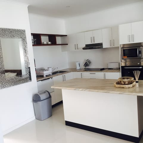 Modern and newly built apartments!! - Suva  - Appartement