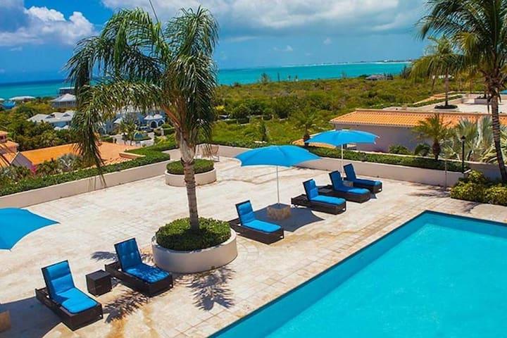 Luxury Boutique Beach Suite Condo