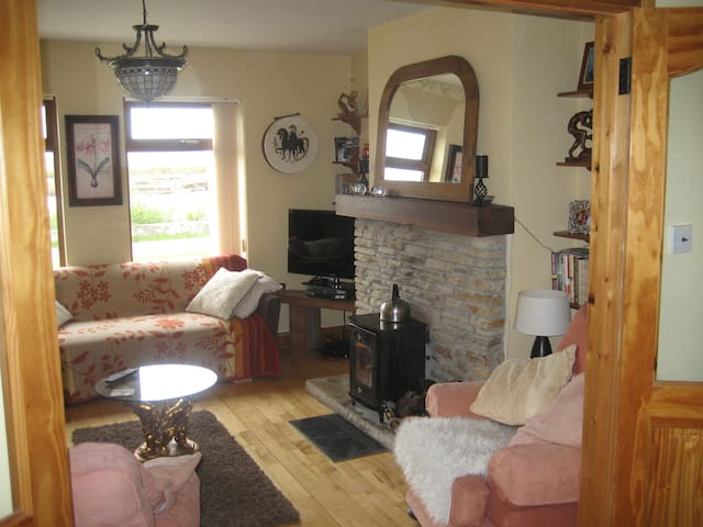 Beautiful  lakeview house - County Donegal - Rumah