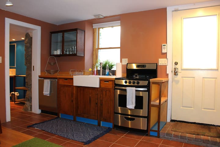 Charming apartment in Historic downtown Saratoga - Saratoga Springs - Huoneisto