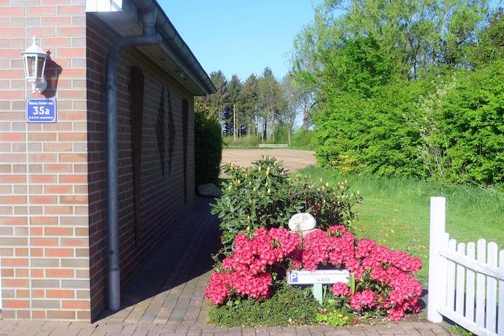 Snug Apartment in Lüdersfeld with Private Terrace and Garden
