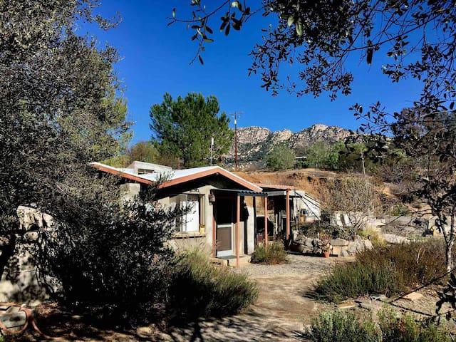 Artist's Casita - Hiker's Hideaway