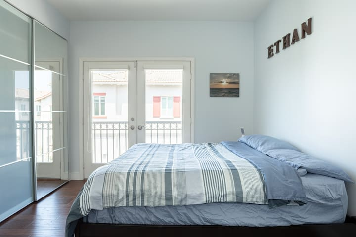 Bedroom #2 with Full-Sized Mattress and Pull-Out Trundle Twin Mattress and Balcony