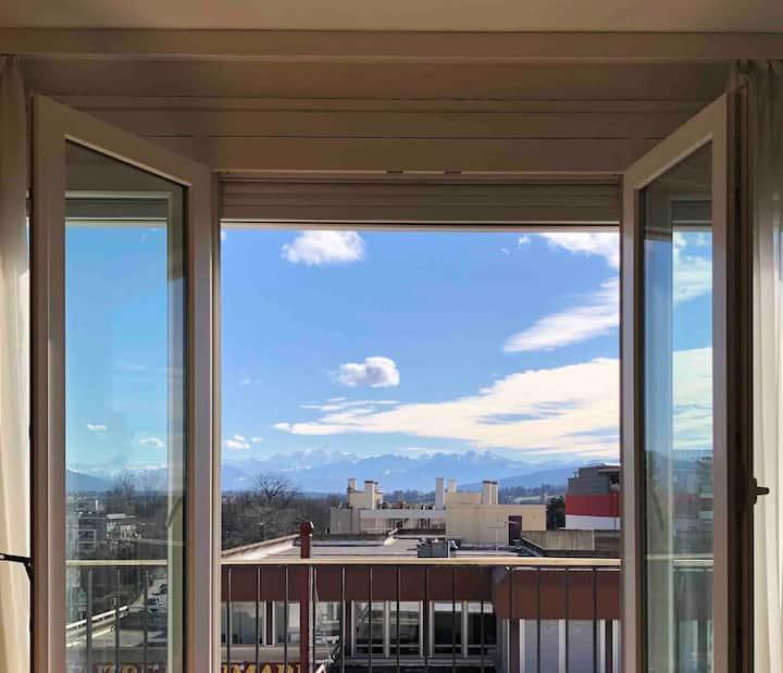 Mont Blanc View: Central Comfortable Convenient