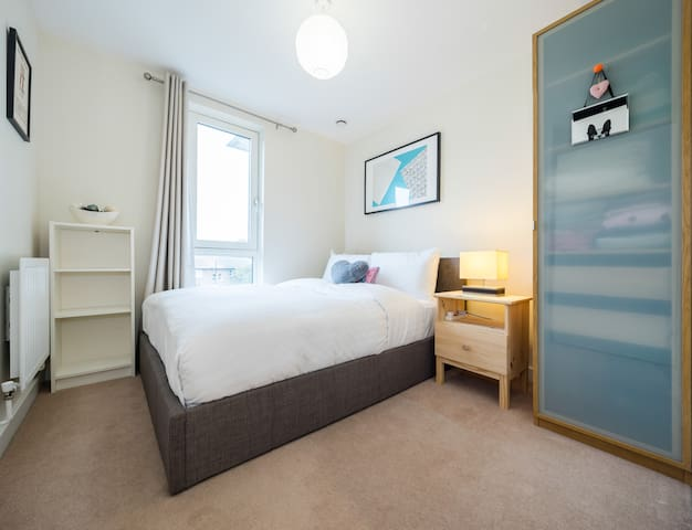 Canalside double room Shoreditch/Hoxton/Angel